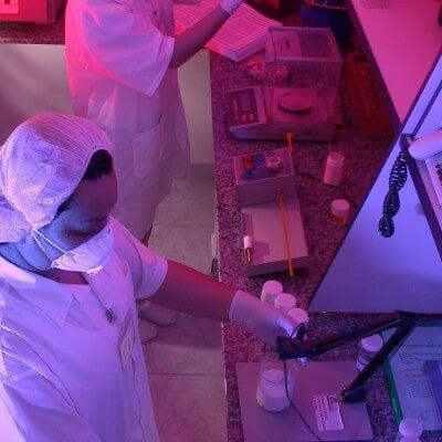 Nova Natural farmácia de manipulação e homeopatia Campinas institucional laboratório 3